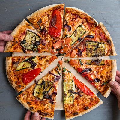 "Basilico Ltd 12"" pizza, garlic + drink £21"